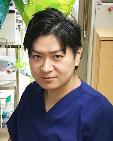 医師 内田 理彦